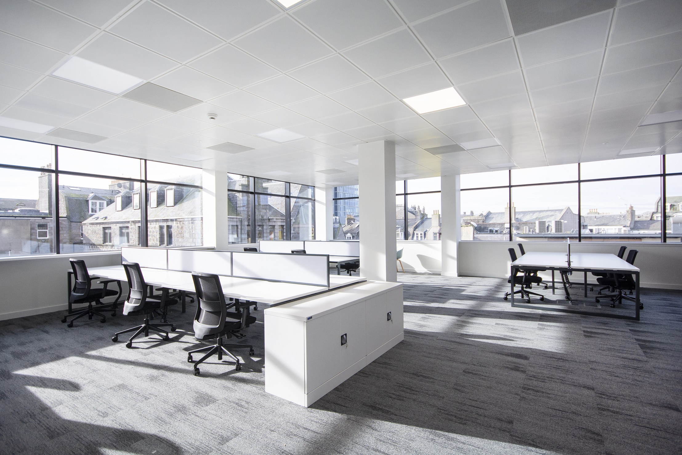 Edinburgh building consultancy Paragon advises on Legal & General's £1.8m 'capsule' refurb of Aberdeen's 120,000 sq ft Union Plaza offices